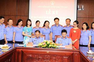 Ký Quy định phối hợp giữa Vụ 8 với Trường Đào tạo, bồi dưỡng nghiệp vụ kiểm sát tại TP. Hồ Chí Minh