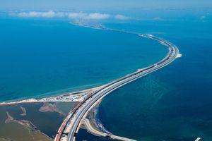 Mật độ lưu thông trên cầu Kerch nối Crimea với lục địa Nga lập kỷ lục mới