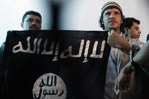 Ả Rập Saudi tuyển hàng trăm chiến binh Al-Qaeda đẩy vào 'lò lửa' Yemen