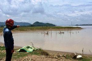 Hà Tĩnh: Cát tặc lộng hành, lòng sông Lam 'chảy máu' !