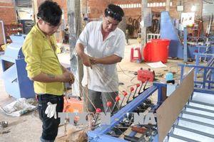 Kỹ sư 'miệt vườn' đào tạo nghề miễn phí cho thanh niên