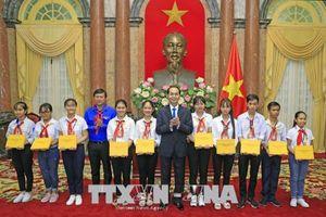 Chủ tịch nước: Tiếp bước cha anh trở thành chủ nhân tương lai của đất nước