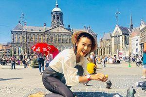 Nón lá Việt Nam tung tăng khắp đường phố châu Âu
