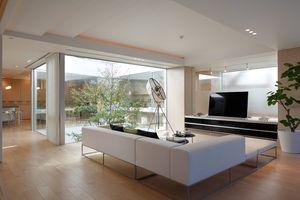 Ngôi nhà có thiết kế ấn tượng, kết hợp giữa hiện đại và truyền thống
