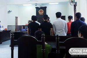 Vụ án vô cớ chém người tại xã Hòa Bắc: Dừng phiên tòa để HĐXX tiến hành xem xét hiện trường