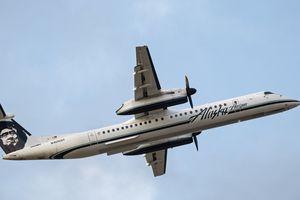 Máy bay bị chiến đấu cơ rượt đuổi trước khi lao xuống biển