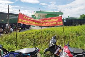 Hà Tĩnh: Dân chặn cổng nhà máy rác bởi không chịu nổi mùi hôi thối