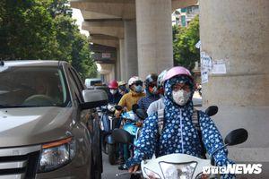 Dân Thủ đô quay cuồng trong nắng nóng ngày thu