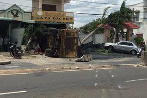 Hãi hùng: Xe ben chở titan lao thẳng nhà dân gây tai nạn kinh hoàng