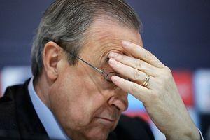 Real Madrid: Cũng có ngày 'bố già' Perez phải trốn tránh