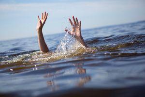 Tắm sông, bốn học sinh chết đuối thương tâm