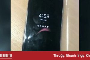 Pixel 3 XL lộ ảnh trên tay, màn hình 6.7 inch, pin 3.430 mAh
