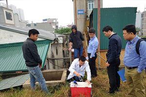 Vụ dân Tân Tây Đô dùng nước độc: Bất lực nhìn nước sạch chỉ cách dân vài trăm mét