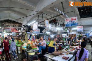 Lạc lối trong khu chợ trăm tuổi trứ danh của Cố đô Huế
