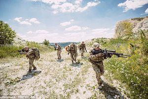 Kinh ngạc lính Anh dùng súng máy bắn hạ chỉ huy IS cách 2500m