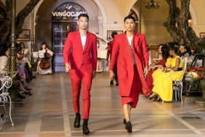 Show diễn Thu Đông Domino 68 của 2 NTK Vũ Ngọc & Son