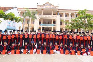 Hai lớp học 'trường làng' ở Nghệ An có 100% học sinh đỗ đại học