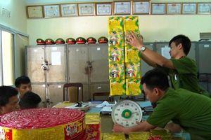 Thái Nguyên: Bắt giữ đối tượng buôn bán, vận chuyển gần 70kg pháo trái phép