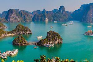 Cận cảnh vịnh Hạ Long và những kỳ quan thiên nhiên đẹp nhất thế giới
