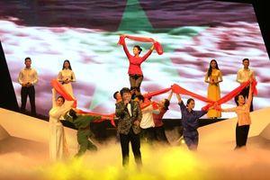 Chương trình nghệ thuật 'Tự hào Tổ quốc và Mẹ Việt Nam'