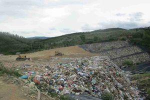 Phú Yên: 71 hộ dân sống gần khu nghĩa trang và bãi rác Thọ Vức bị ô nhiễm nặng cần phải nhanh chóng di dời