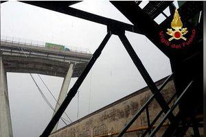 Italia: Sập cầu đường cao tốc