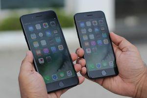 iPhone xách tay đời cũ khan hàng, giá tăng chóng mặt