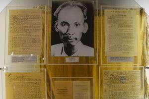 Trưng bày hiện vật, tài liệu về Cách mạng Tháng Tám năm 1945
