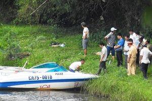 Phát hiện thi thể nam du khách nước ngoài trôi nổi trên sông