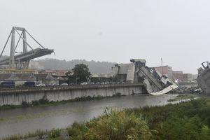 Italy: Sập cầu cao tốc, hơn 40 người thương vong