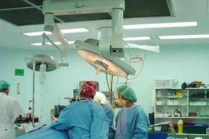 Hy hữu: Phẫu thuật não suốt 2 giờ mới biết nhầm bệnh nhân