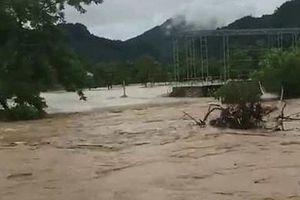 Mưa lớn gây ngập lụt lịch sử ở các huyện miền tây Nghệ An