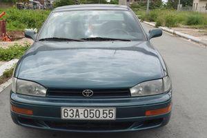 Hai Toyota Camry biển số giống hệt nhau: 'CSGT không cấp bộ biển số mới'