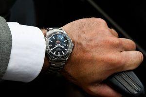 Sự khác nhau giữa đồng hồ 10 triệu và 100 triệu đồng