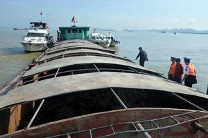 Cảnh sát biển bắt tàu chở 500 tấn than không rõ nguồn gốc