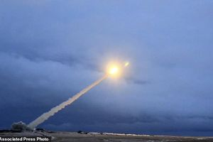 Tình báo Mỹ tung tin gây sốc về tên lửa 'bất khả chiến bại' của Nga