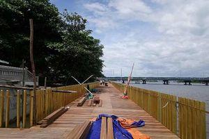 Chủ đầu tư lên tiếng vụ cầu gỗ 'siêu sang' trên sông Hương bị nứt