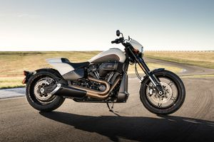 Harley-Davidson FXDR 114 2019 ra mắt, nhanh nhất trong dòng Softail