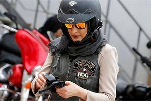 Xem hội chị em Ả Rập chơi xe môtô Harley-Davidson