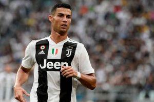 Juventus 2-0 Lazio: Ronaldo bỏ lỡ trước khung thành trống