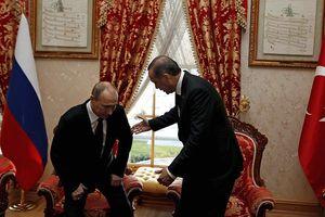 Erdogan dùng 'thuật ngoại giao hải sản' với 'bạn tốt nhất' Putin?