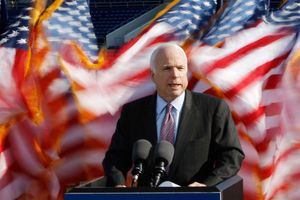 Ngạc nhiên di nguyện đặc biệt của ông John McCain