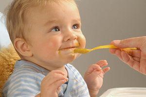 Mách mẹ 9 loại thực phẩm ăn dặm lý tưởng cho trẻ 8 tháng tuổi
