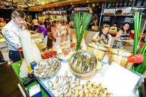 Dịp lễ 2.9, ăn tiệc buffet hải sản ngon ở đâu?