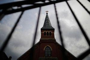 Tòa thánh Vatican bị tố che đậy vụ linh mục xâm hại tình dục trẻ em