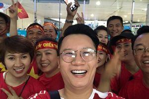 CĐV đi 'tiếp lửa' cho Olympic Việt Nam từ mờ sáng