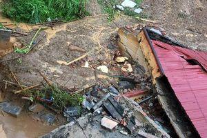 Thanh Hóa: Học sinh nghỉ học vì trường bị đất đá vùi lấp