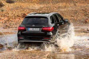 Mercedes-Benz bác bỏ cáo buộc GLC bị lọt nước do rửa xe