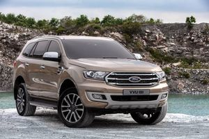 Ford Everest 2018 giảm hơn 500 triệu đồng, 'thách đấu' với Toyota Fortuner