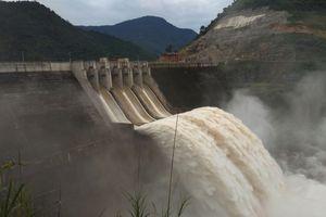 Nghệ An: Thủy điện đồng loạt xả lũ, nhiều nơi bị ngập nặng